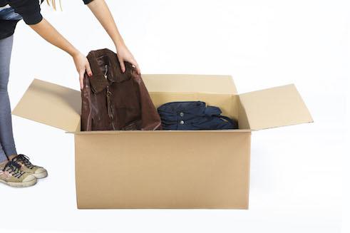 Cajas de cartón para guardar ropa